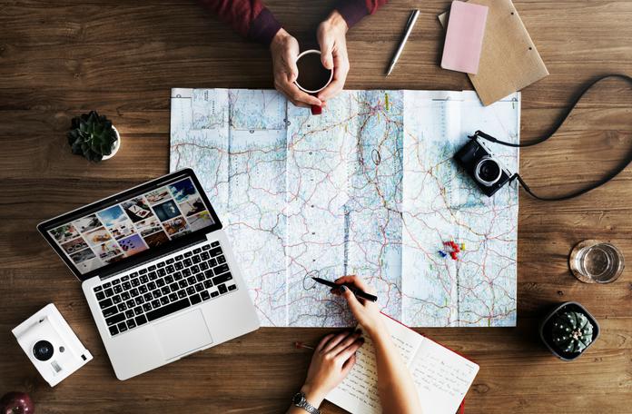 Gadżety podróżnicze, które warto zabrać na wakacje