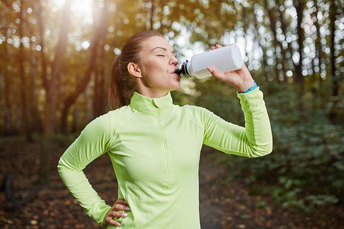 Butelki i bidony zero waste – minimalizuj liczbę generowanych śmieci