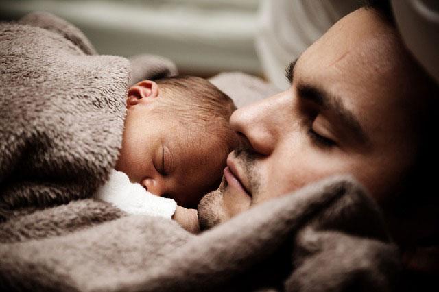 Niespokojny sen niemowlaka