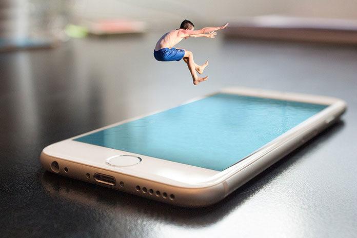 Czy iPhone jest drogi? 2 argumenty Tima Cooka