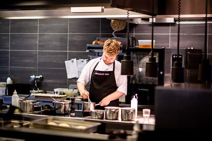 Drobne akcesoria w hotelowej restauracji usprawnią pracę kuchni