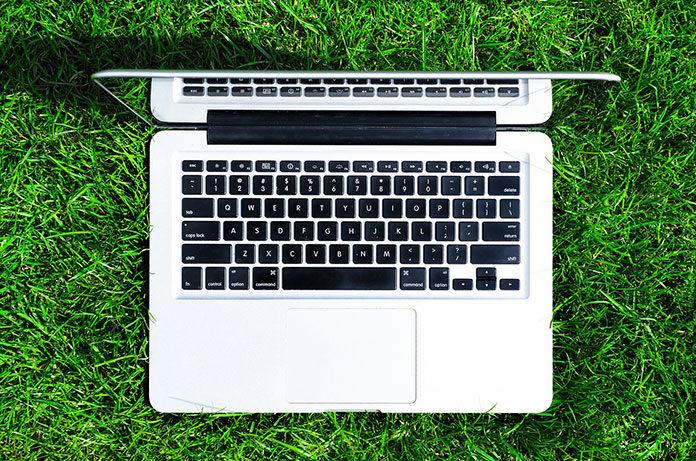 Laptopy używane - czy warto kupować?