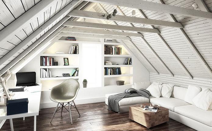 Wnętrze pod skosem – jak funkcjonalnie urządzić poddasze domu